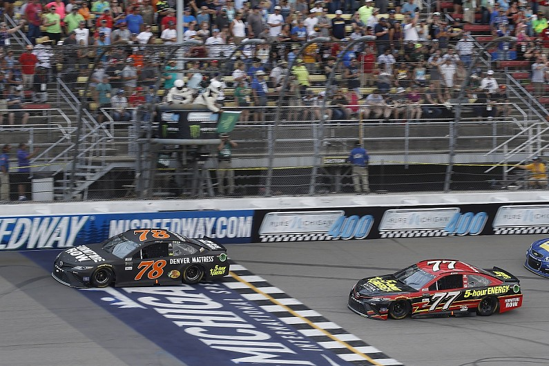 Martin Truex Jr. maintains commanding lead in playoff grid