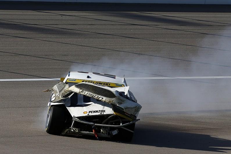 [NASCAR] 纳斯卡收紧受损赛车重返比赛规则
