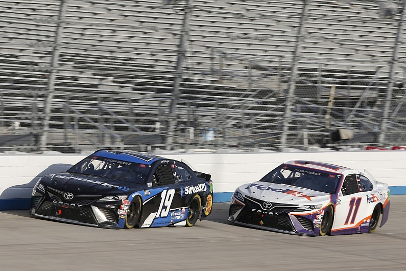 Hamlin holds off JGR teammate Truex for first Dover victory