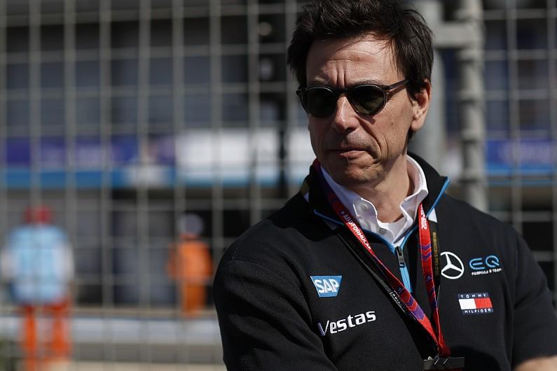 Hamilton: Mercedes 'trying to move mountains' to fix reliability gripes