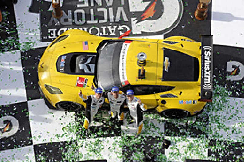 ryan briscoe set for corvette le mans 24 hours seat wec autosport. Black Bedroom Furniture Sets. Home Design Ideas