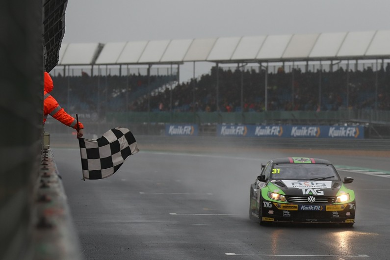 BTCC race winner Goff keeps Team Hard Volkswagen CC drive for 2020
