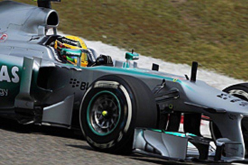 Chinese GP: Pirelli rejects Hamilton criticism of soft tyres