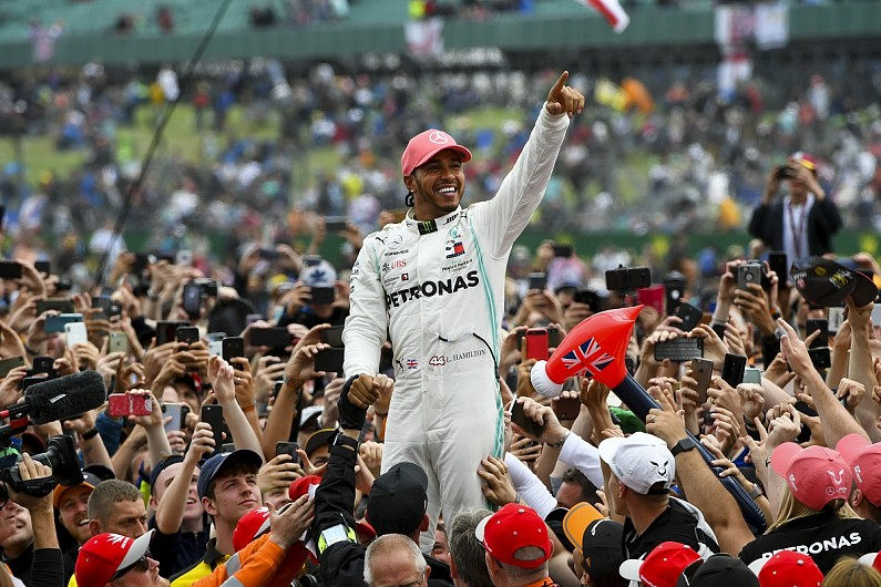 "F1 leaders say Hamilton must be replaced by ""Lewis of new generation"""
