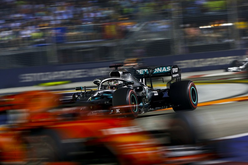 "Mercedes should feel ""pain"" at Singapore GP F1 defeat - Hamilton"