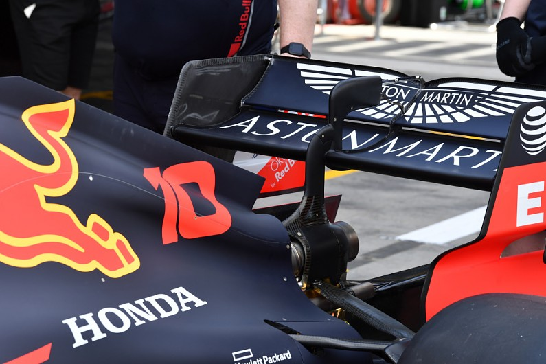 Video: Technical analysis - how a Formula 1 rear wing works