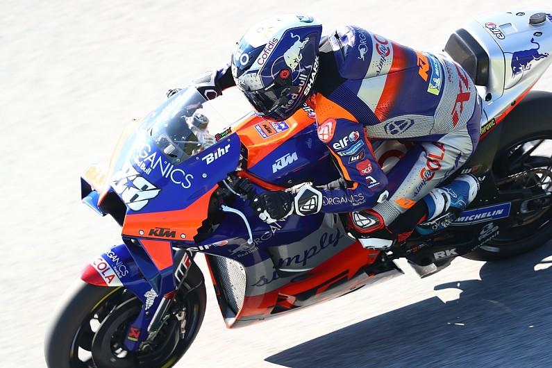 Motogp Styria Oliveira Takes Shock Maiden Win With Last Corner Move Motogp Autosport