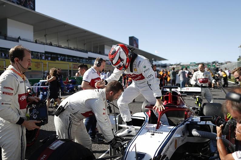 "Alfa Romeo F1 drivers baffled by ""far from normal"" Suzuka weekend"