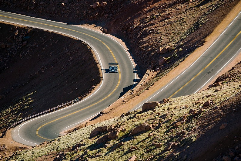 dumas completes volkswagen s first pikes peak run with electric car