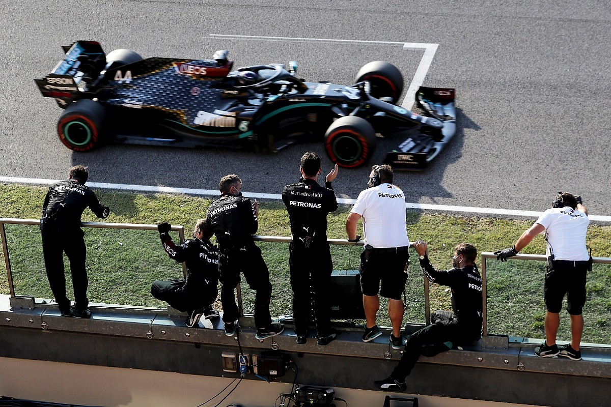 F1 Tuscan Gp Hamilton Takes Hectic Mugello Victory After Two Red Flags F1 Autosport