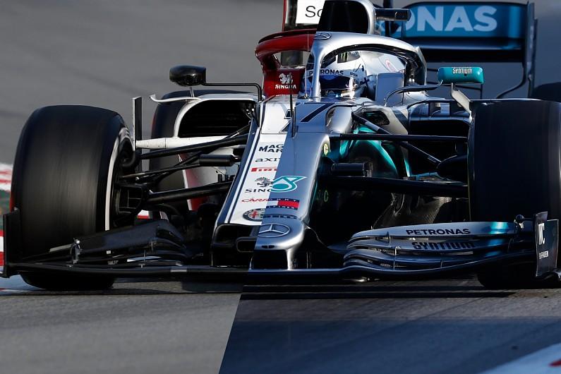 Video: Mercedes vs Alfa Romeo - Formula 1 wing airflow