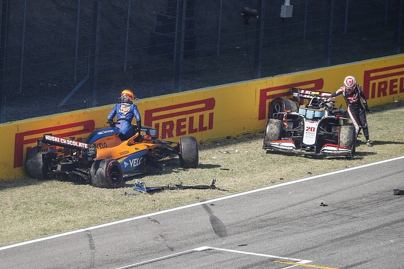 """FIA and F1 drivers air views with """"good conclusions"""" on safety car restarts - Motor Informed"""