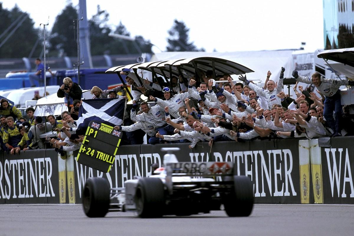One of F1's craziest grands prix remembered - F1 - Autosport Plus