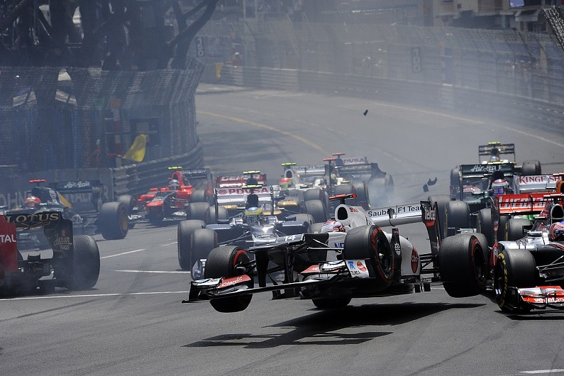 Video: How not to drive an F1 car around the Monaco GP circuit