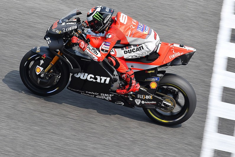 Buriram MotoGP test: Confidence issues led Lorenzo to try 2017 bike - MotoGP - Autosport