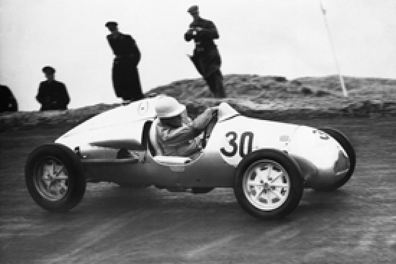 Stirling Moss's manager Ken Gregory dies