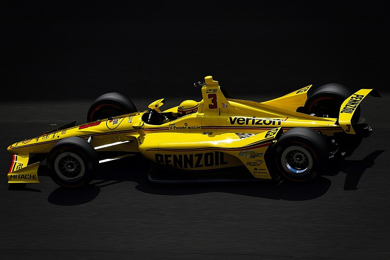 How Many Laps In Indy 500 >> Castroneves Predicts 235mph Indy 500 Qualifying Laps With New