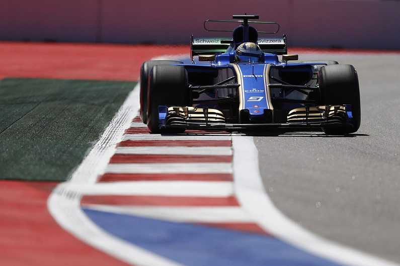 Sauber Formula 1 Team Tests New Mclaren Style T Wing In Russia F1