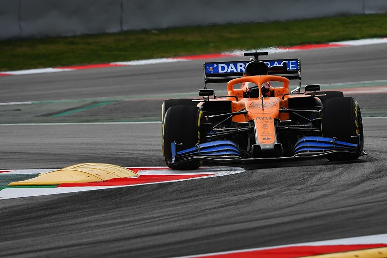 Carlos Sainz admits to holding early McLaren contract talks