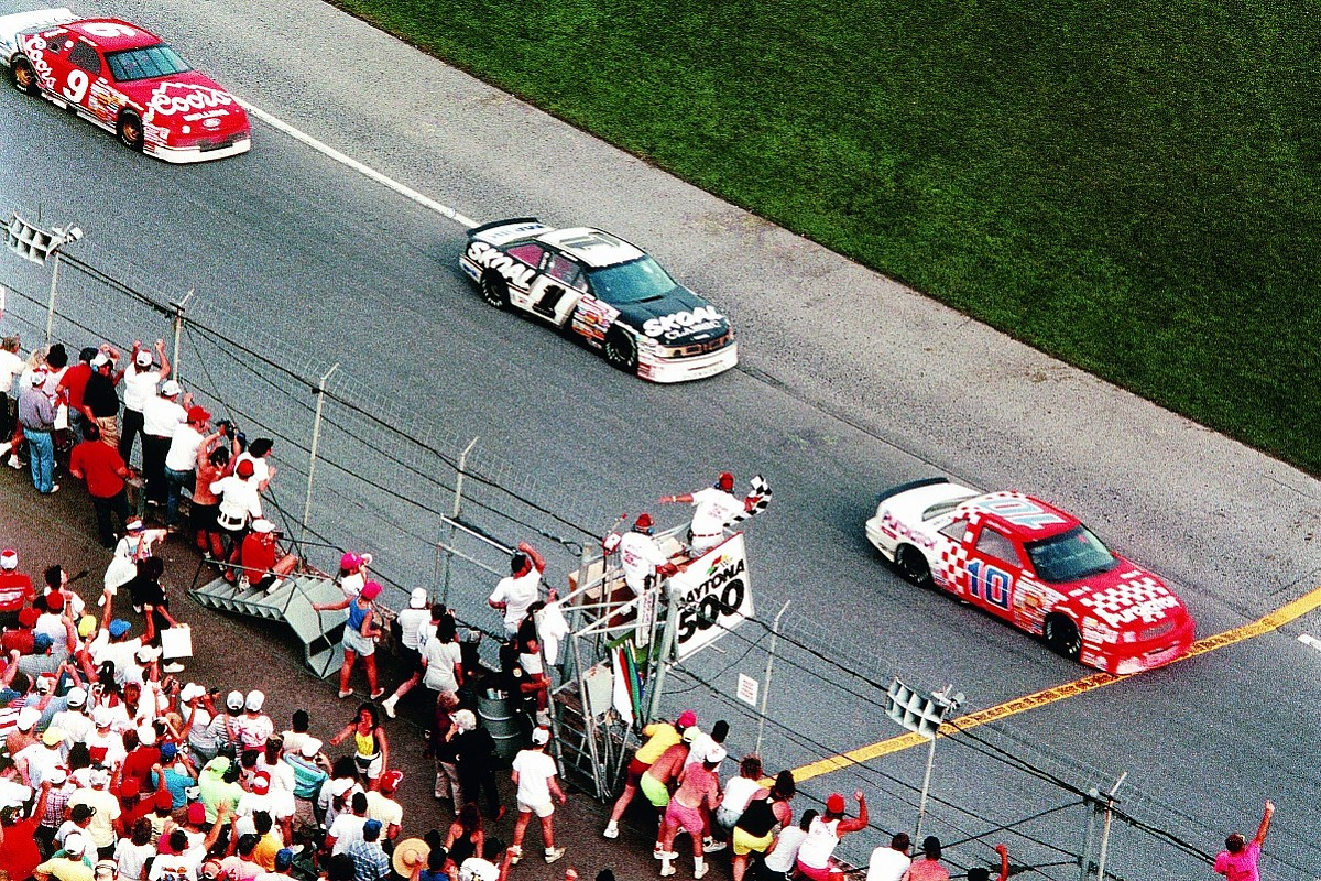 The Daytona 500's greatest upset, 30 years on - NASCAR - Autosport Plus