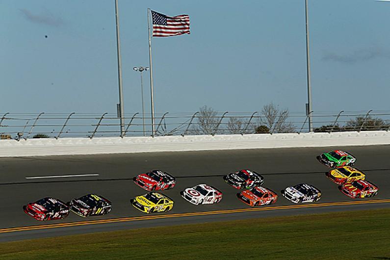 NASCAR Sprint Unlimited: Paul Menard draws pole, Kurt Busch fastest