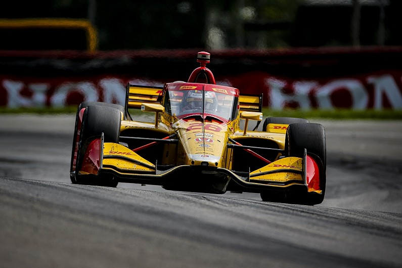 "Hunter-Reay frustrated by Dixon ""hip-check"" in IndyCar Mid-Ohio race - Motor Informed"