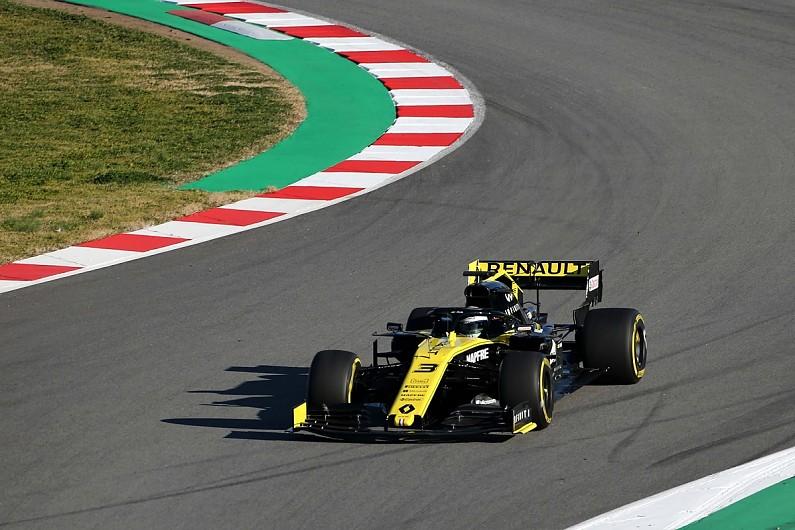 Daniel Ricciardo makes Renault F1 debut as RS19 shakedown happens - F1 -  Autosport 1ba140a19ce