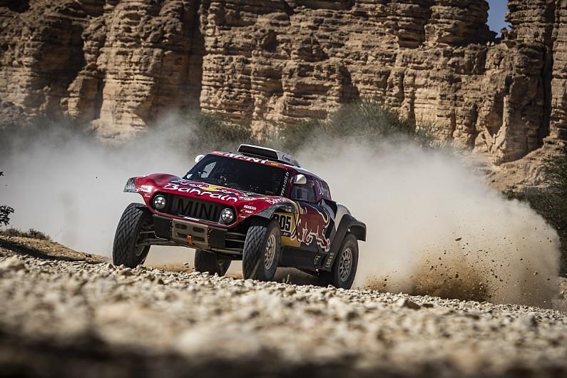 Sainz extends Dakar lead as stage 10 cut short by poor weather
