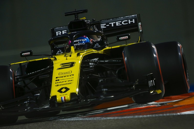 "Ricciardo's F1 arrival left Renault ""naked"" with ""nowhere to hide"""