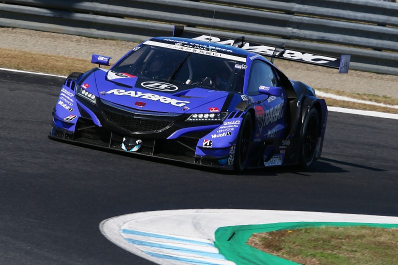 Motegi Super Gt Jenson Button Holds Off Late Threat For Title Gt Autosport