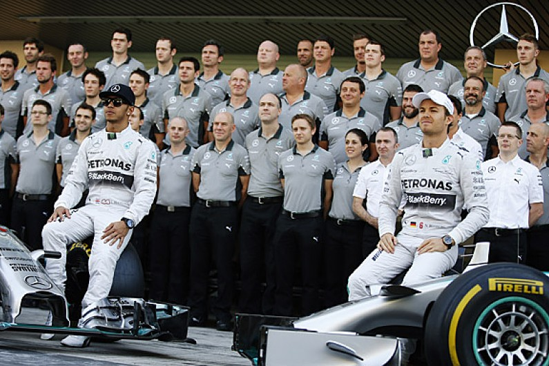 Mercedes f1 team banned drivers from communicating after for Mercedes benz f1 drivers