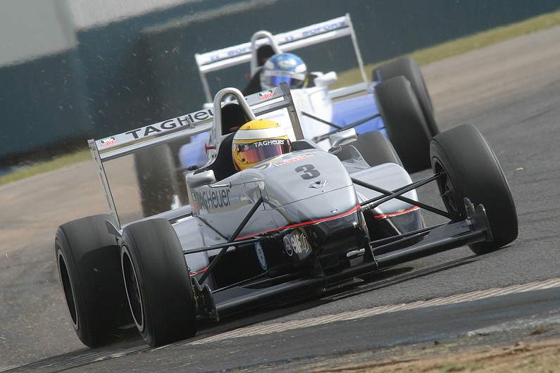 Lewis Hamilton says F1 needs more Donington Park-style corners