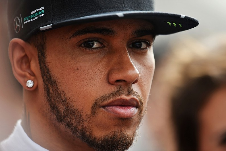 lewis hamilton forced   engine     chinese gp  autosport
