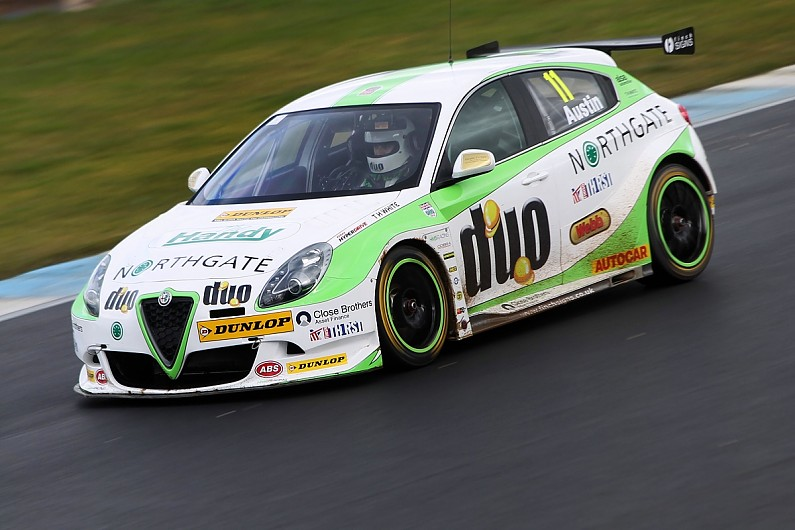 BTCC Alfa Romeo Giulietta hits track for first time in Donington test